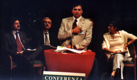 foto Aguzzoni in conferenza